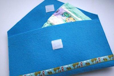 Windeltasche | blauer Filz | Krone & Webband | waseigenes.com Blog & Shop