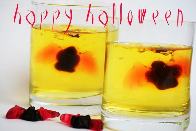 Happy Halloween | gruseliger Wackelpudding mit Fledermaus | waseigenes.com