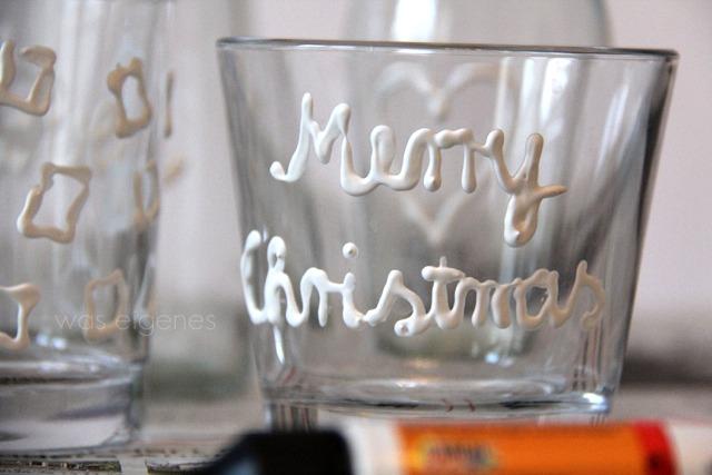 Weihnachtsbasteln | DIY Gläser bemalen mit Plusterfarbe | waseigenes.com