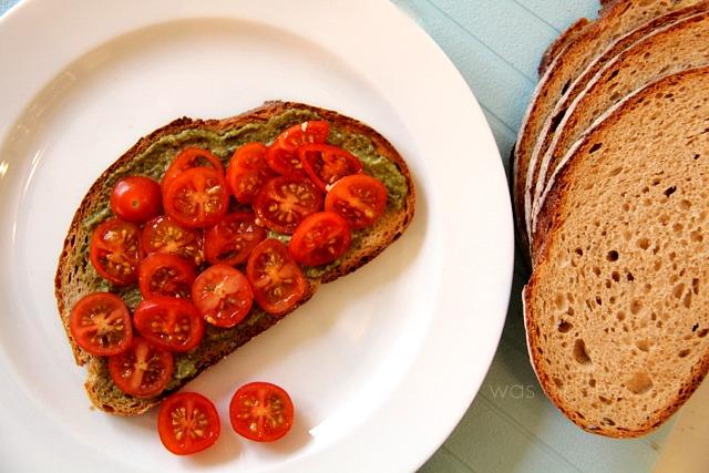 tomate-pesto-brot