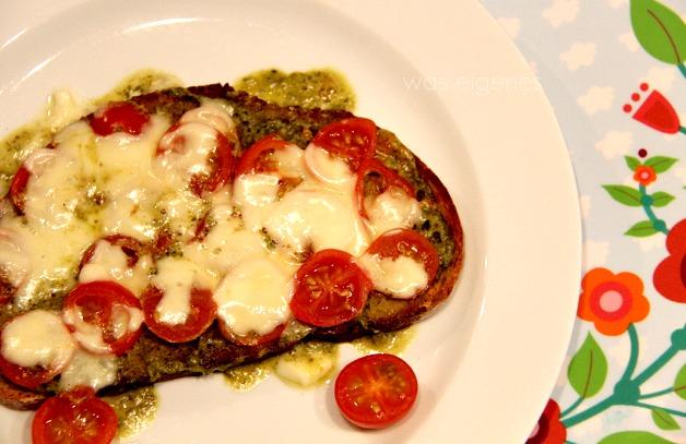 tomate-pesto-brot1