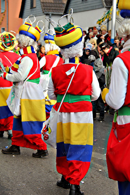 Karneval in Hürth | Karnevalszug 2012 | Karneval Kostüm: Strickliesel | waseigenes.com