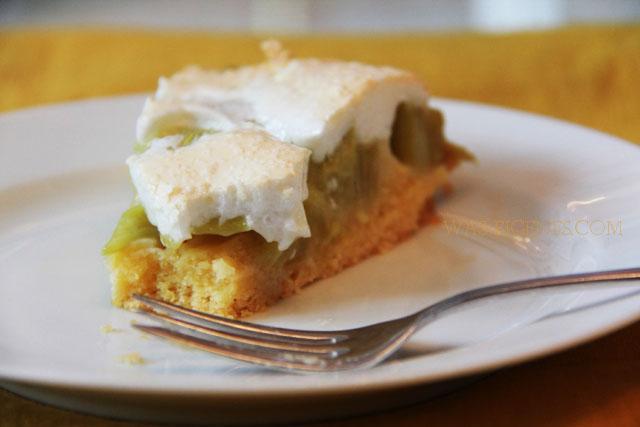 Best of Rhabarber: Rezept Rhabarberkuchen mit Baiserhaube - das ist mein liebstes Rhabarberkuchen Rezept | waseigenes.com | Was backe ich heute? Schnelle und einfache Rezepte.