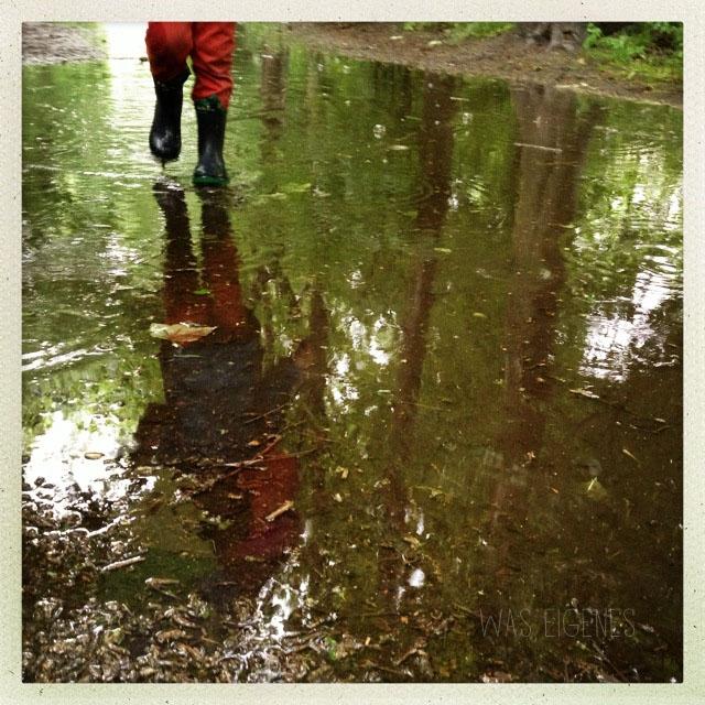 hipstamatic waseigenes regen pfütze