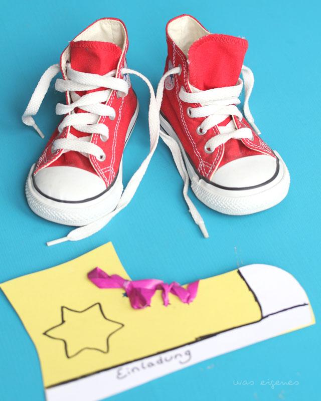 DIY Einladung | Kindergeburtstagseinladung | Einladung zum Kindergeburtstag selber basteln | Chucks aus Papier | waseigenes.com