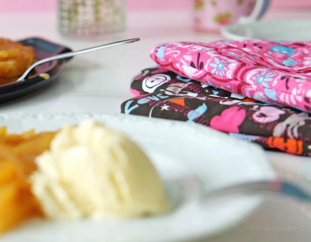 DIY Ofenhandschuhe selber nähen | Nähanleitung Topfhandschuhe | hübsche Geschenkidee | waseigenes.com DIY Blog
