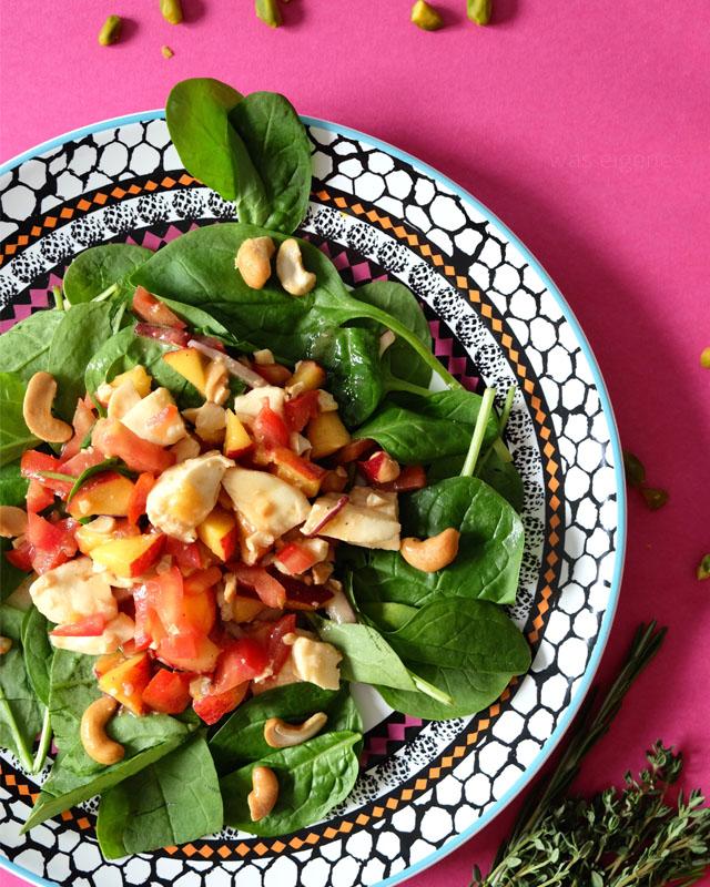 Babyspinatsalat mit Nektarinen, Tomaten und Balsamicodressing | Kochzauber | was eigenes Blog