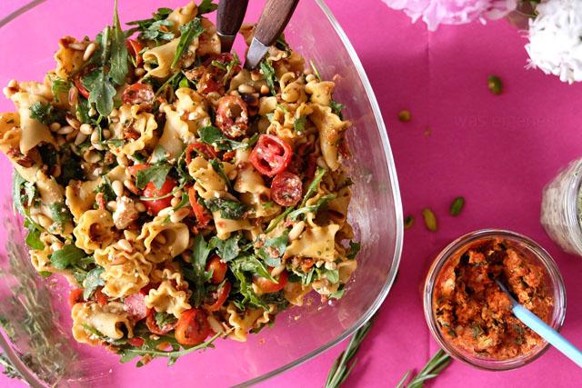 Italienischer Nudelsalat mit Pesto | Kochzauber | was eigenes Blog