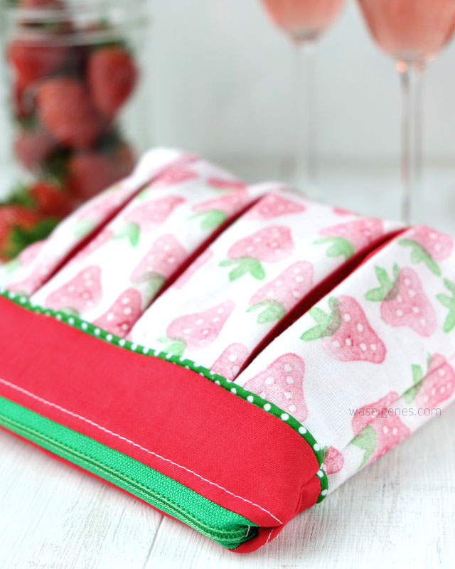 Soehnlein Brillant |#erdbeeremalanders | Faltentaeschen | Stoffdruck | waseigenes.com 6