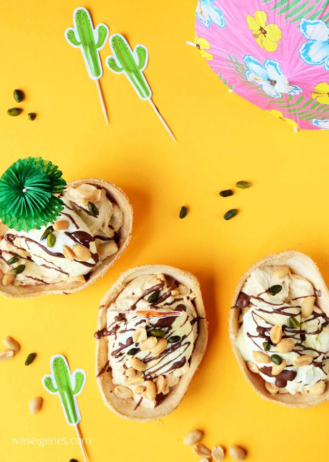 Rezept Dessert | Erdnuss-Kaese-Sahne-Creme mit VanilleEis und Schokosoße in Tortillaschale | waseigenes.com 2
