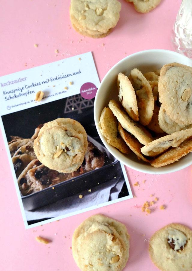 kochzauber-adventsbox-waseigenes-blog-cookies-mit-erdnuessen-und-schokotropfen-1