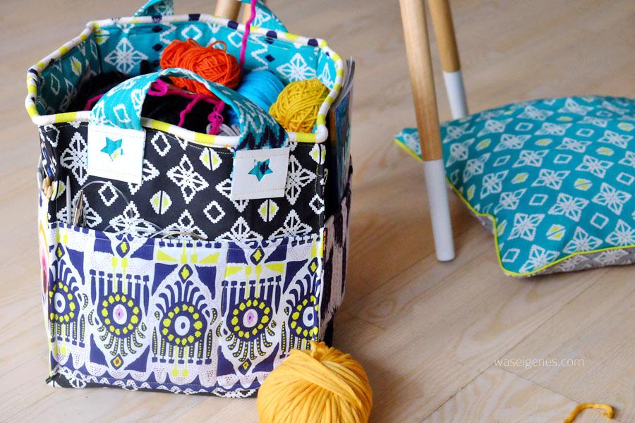 DIY genähter Stoffkorb für Wolle, mit Henkeln und Fächer für Strick- und Häkelnadeln | JASSA Stoffkollektion IKEA | waseigenes.com DIY Blog