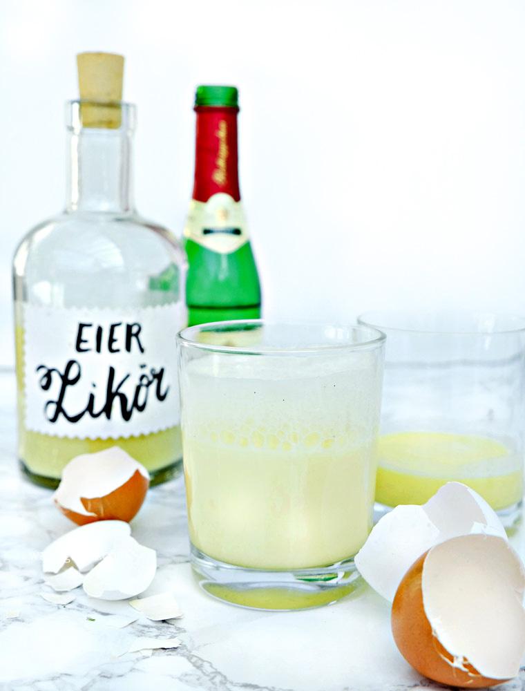 Selbstgemachter Eierlikör + Sekt = Schneegestöber | Oster Cocktail | waseigenes.com