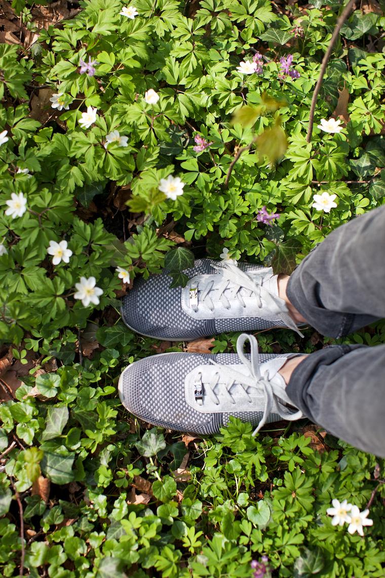 ara shoes Fusion4 | Waldspaziergang Shooting waseigenes.com | Fotografie © Amanda Dahms für Lebenlang
