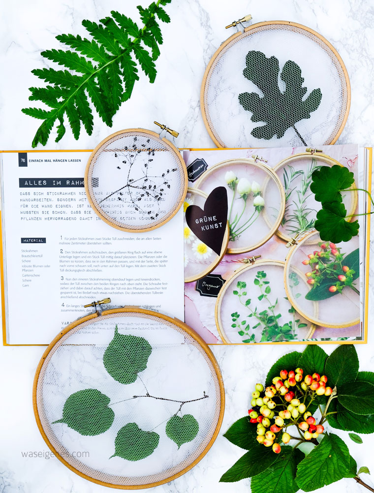 Pflanzen Deko kreativ und selbstgemacht | Getrocknete Blätter mit Tüll im Stickrahmen einspannen | waseigenes.com