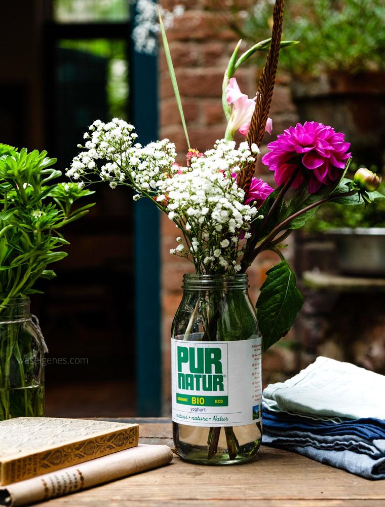 Blumen, Vase, Bücher, Leinentücher | Fotoworkshop | waseigenes.com