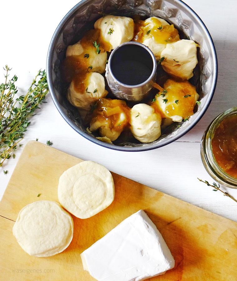Rezept: Zupfbrot mit Rhabarbermarmelade, Brie und Thymian | waseigenes.com