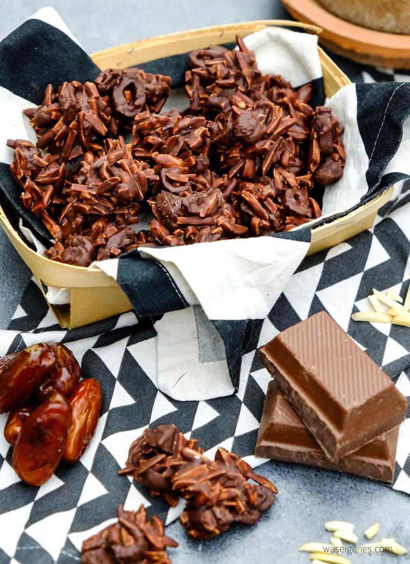 Rezept: selbst gemachte Mandelsplitter | Gestiftelte Mandeln, Datteln, Vollmilchschokolade und Meersalz | waseigenes.com DIY Blog