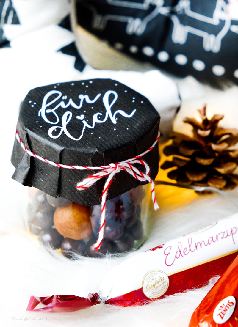 Weihnachtsgeschenke Idee: Marmeladenglas gefüllt mit Marzipan | handlettering | waseigenes.com DIY Blog
