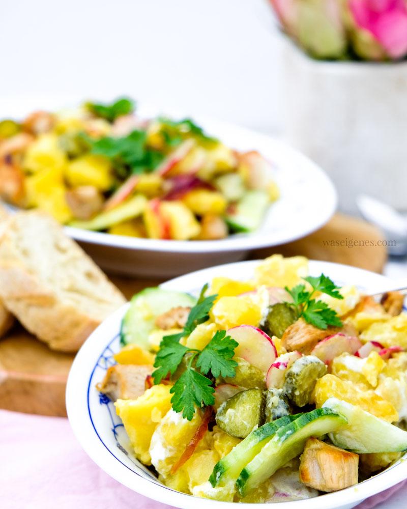Rezept: Kartoffelsalat mit karamellisierten Zwiebeln, Salatgurke & Cornichons, Radieschen und Putengeschnetzeltes | Bio Produkte | waseigenes.com