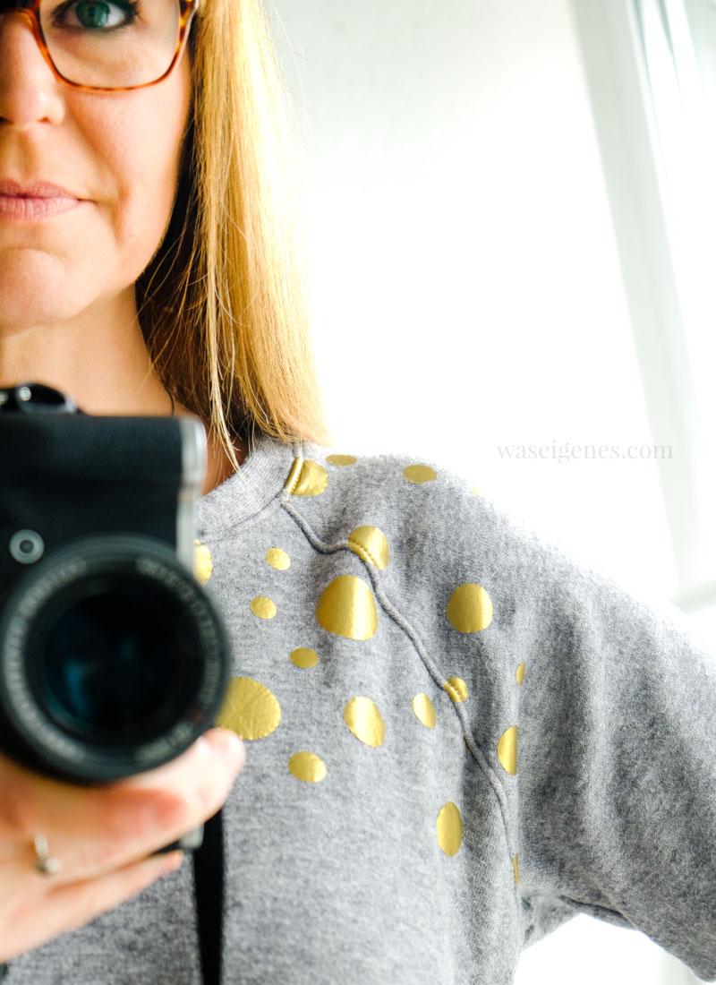 Genäht: Raglan Shirt Kanga, grauer Viskose Strick mit goldenen Punkten (geplottet), waseigenes.com DIY Blog