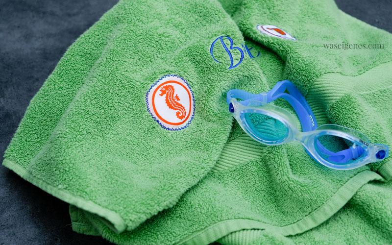 DIY Seepferdchen Badetuchtuch, Seepferdchen Abzeichen statt auf die Badehose, lieber auf ein Badetuch naehen, Badetuch mit gesticktem Namen | waseigenes.com