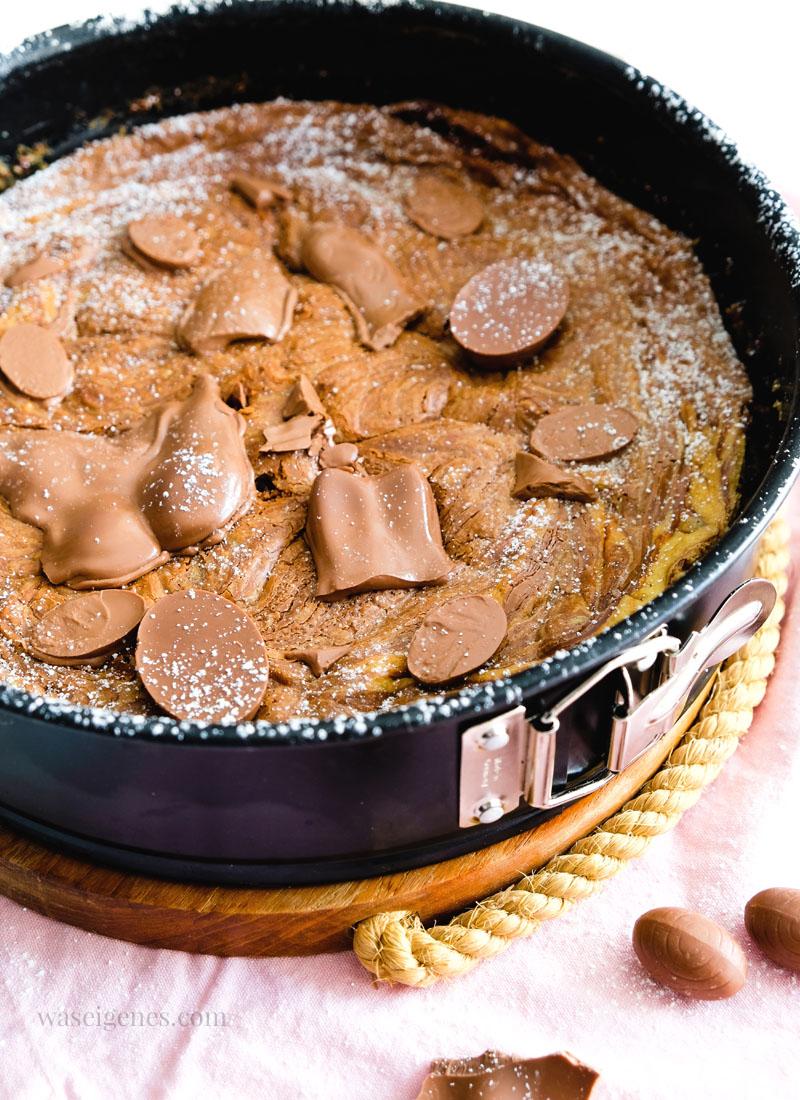 Bye bye Osterhasi! Rezept für einen super schokoladigen Schokokuchen mit übrig gebliebenen Schokoladen Osterhasen | waseigenes.com
