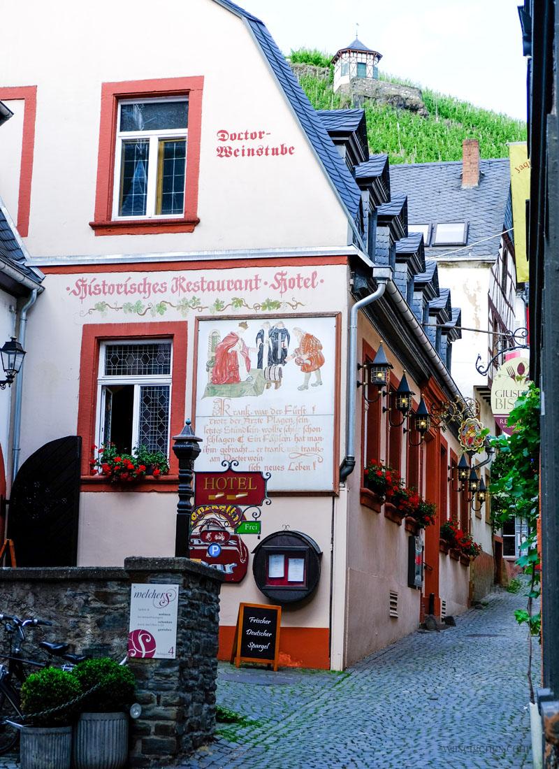 Bernkastel-Kues, Rheinland-Pfalz | Doctor Weinstube, Historisches Restaurant & Hotel | waseigenes.com