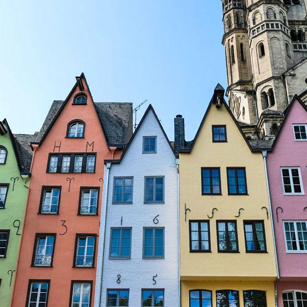 Stadtführung durch Köln | Sightseeing Cologne | Bunte Häuser am Fischmarkt | waseigenes.com