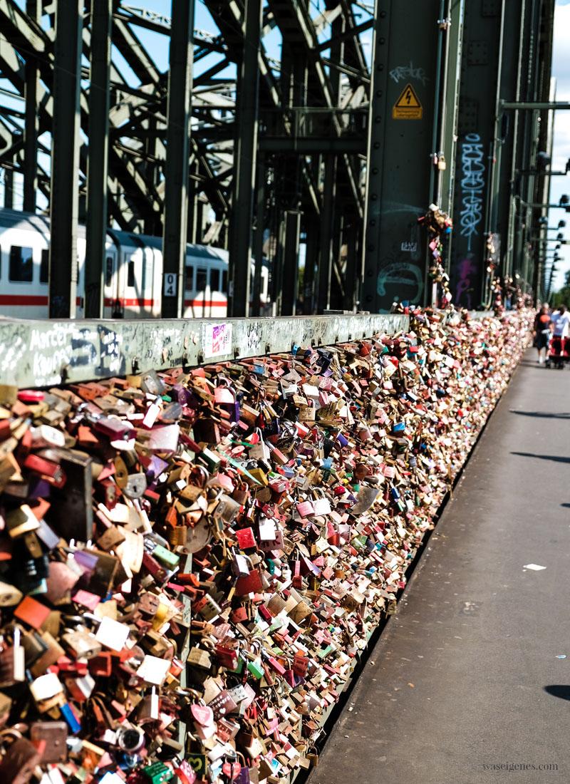 Stadtführung durch Köln | Sightseeing Köln | waseigenes.com - Hohenzollernbrücke Liebeschlösser