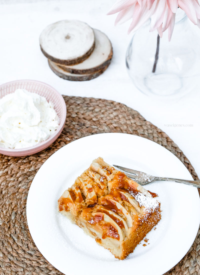 Rezept: Karamell-Apfelkuchen | waseigenes.com #apfelkuchen #karamell