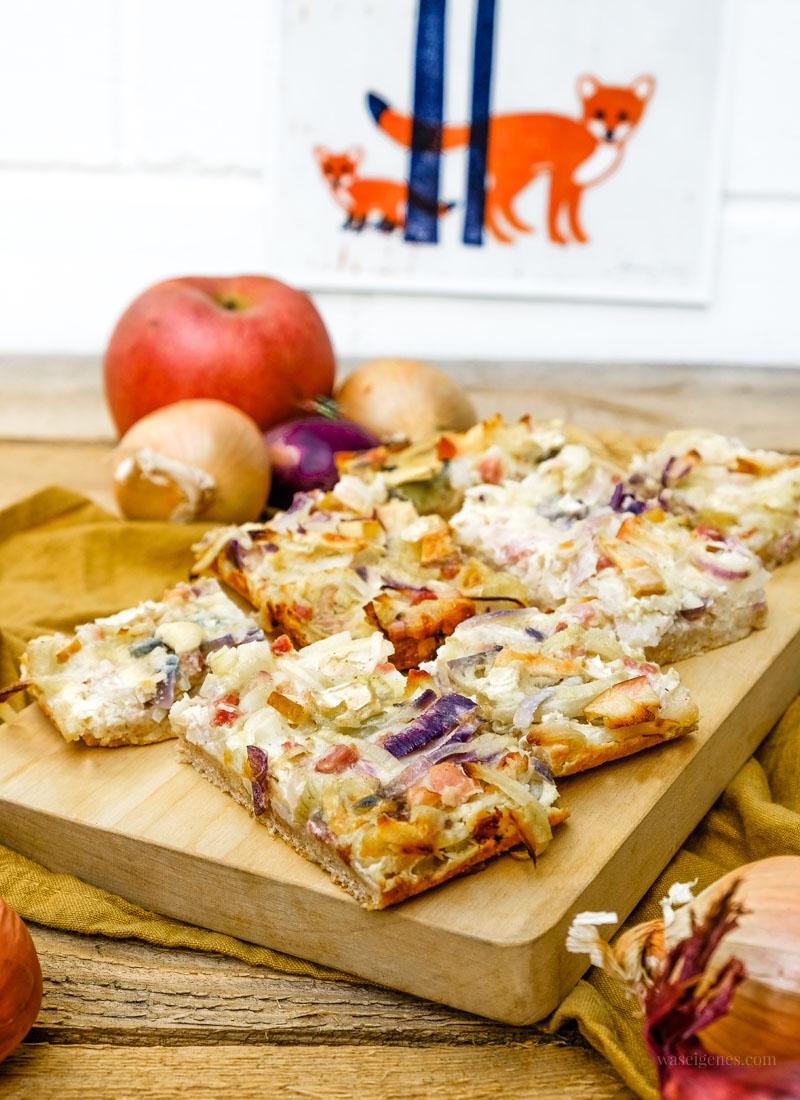 Herbstklassiker: Zwiebelkuchen mit Apfel & Camembert | Rezept | waseigenes.com #Zwiebelkuchen
