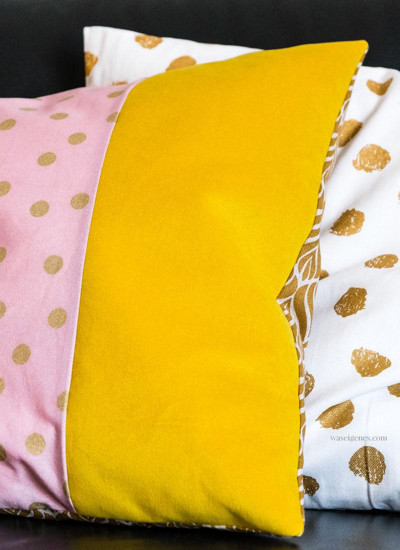 Treffpunkt Sofaecke: DIY Kissenbezüge in knalligen Herbsttönen | senfgelb, altrosa, schwarz, gold & orange | waseigenes.com #kissenbezüge #diy #sofakissen #apfelkissen