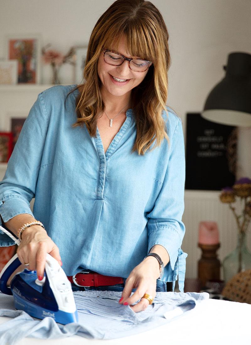 Gut gebügelt ist halb genäht | Zum Nähen benötigt man nicht nur eine Nähmaschine, sondern auch ein gutes Bügeleisen | waseigenes.com