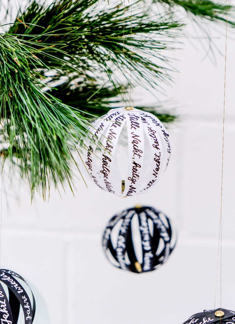 Baumschmuck selber machen: Papierkugeln mit handgeschriebenen Botschaften, waseigenes.com #DIY #Baumschmuck #Papierkugeln