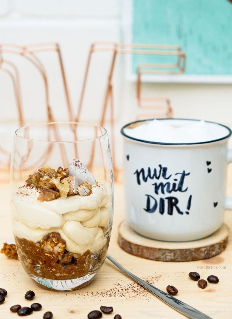 Rezept: Kaffee Dessert mit Pfeffernüssen, Walnüssen, Mascarpone Creme & purem Kaffeegenuss, waseigenes.com #kaffeedessert #milchkaffee #handlettering