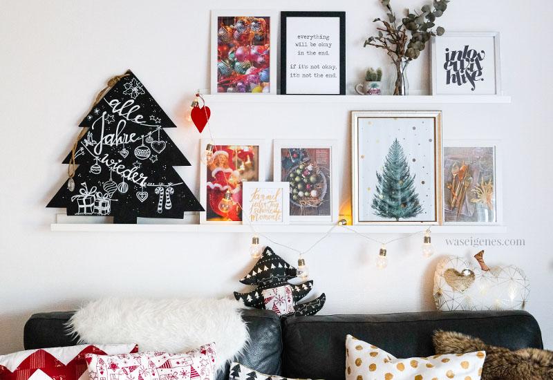Weihnachtsdeko, Bilderleiste Wohnzimmer, Fotos, Prints, handlettering Tafel Weihnachtsbaum, genähte Kissenbezüge, waseigenes.com