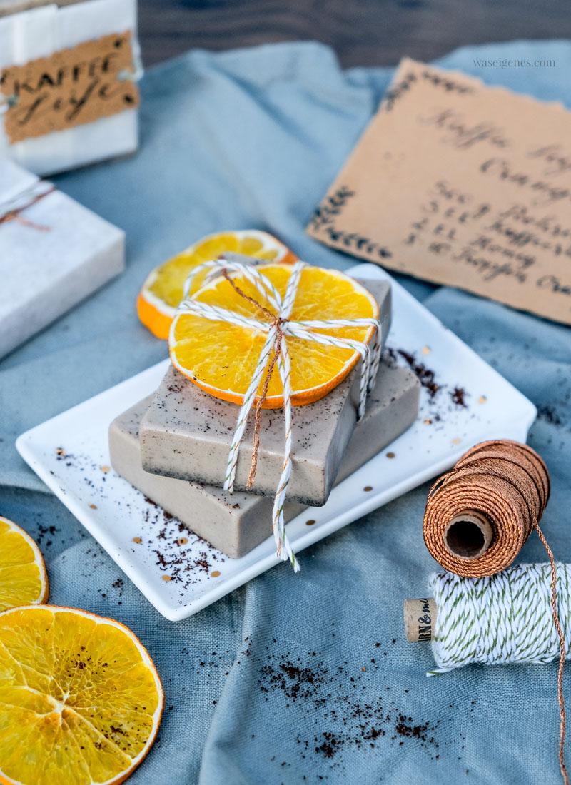 DIY Kaffee Seife, Kaffee Seife mit Orangenduft selber machen, waseigenes.com | #kaffeeseife #diy #seifeselbermachen #waseigenesblog
