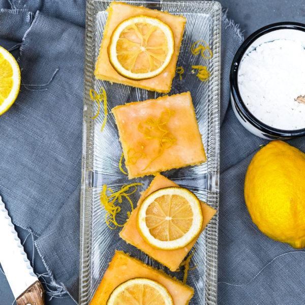 Rezept: Zitronenschnitten, saftiger Blechkuchen, süße Schnittchen, waseigenes.com