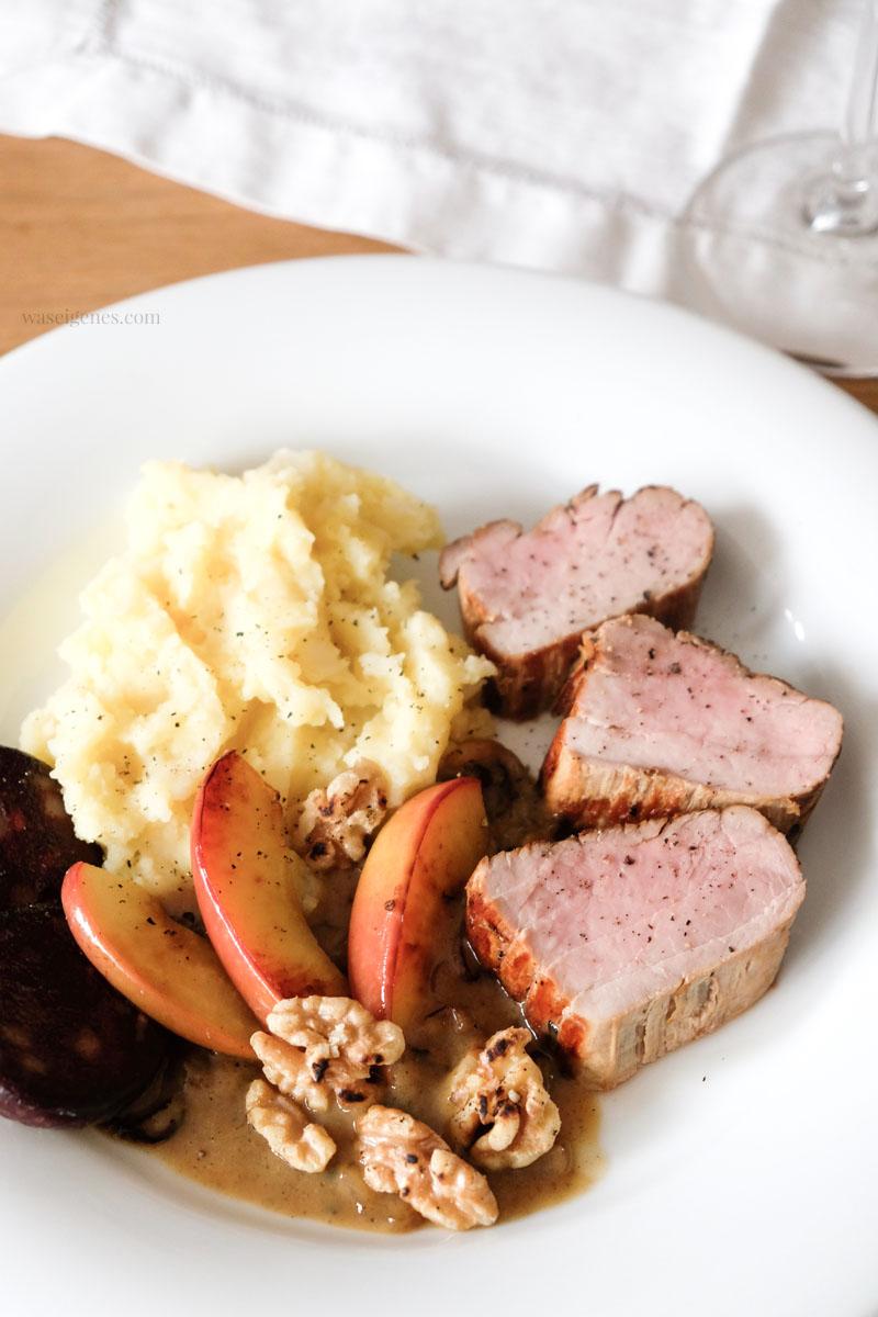 Rezept: Schweinefilet mit Sellerie-Kartoffelpüree, einer feinen Quitten-Senf-Soße & gebratener Blutwurst. Dazu schmeckt: Lady Dorst Grauburgunder; waseigenes.com