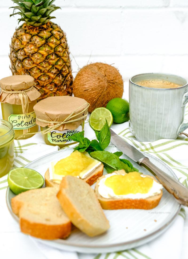 Marmeladenrezept: Piña Colada Marmelade. Selbst gekochte Kokos-Ananas-Marmelade mit einem Schuss Rum und Minze | waseigenes.com | Ananas-Marmelade