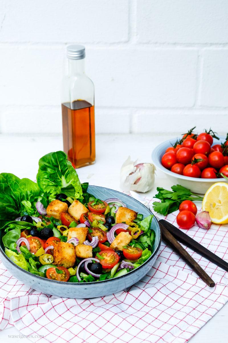 Rezept: Bauernsalat mit Honigtomaten und panierten Feta Würfel | waseigenes.com