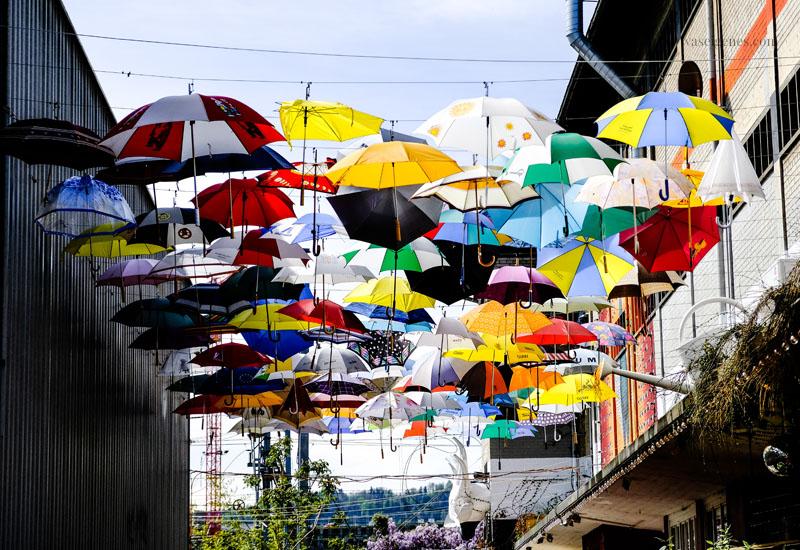 Zürich: Umbrella Alley - ein Himmel voller Regenschirme! Gerold Strasse, Zürich, Geroldcuchi, waseigenes.com
