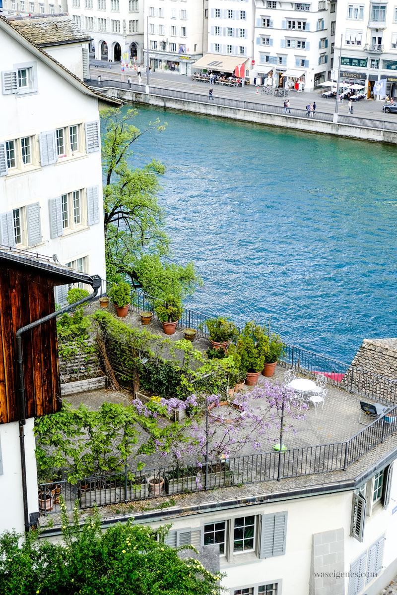 Städtetrip Zürich (Schweiz) Blick vom Lindenhof auf die Limmat, waseigenes.com