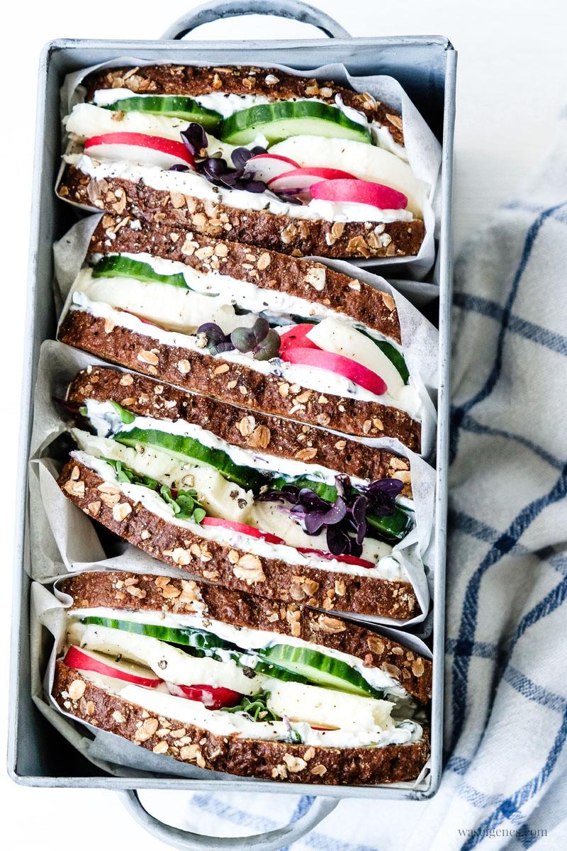 Für das nächste Picknick: Rezept für ein Mozzarella-Gurken-Sandwich | waseigenes.com
