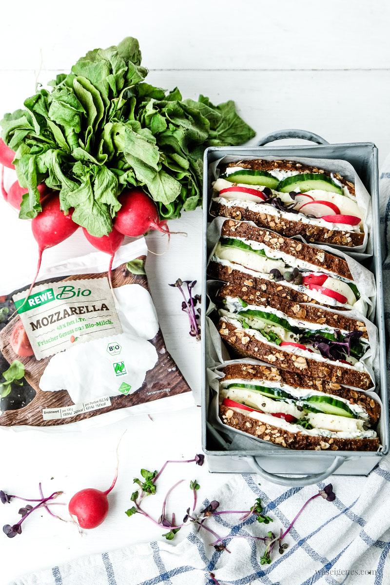 Für's Sommer-Picknick: Rezept für ein Mozzarella-Gurken-Sandwich |  waseigenes.com