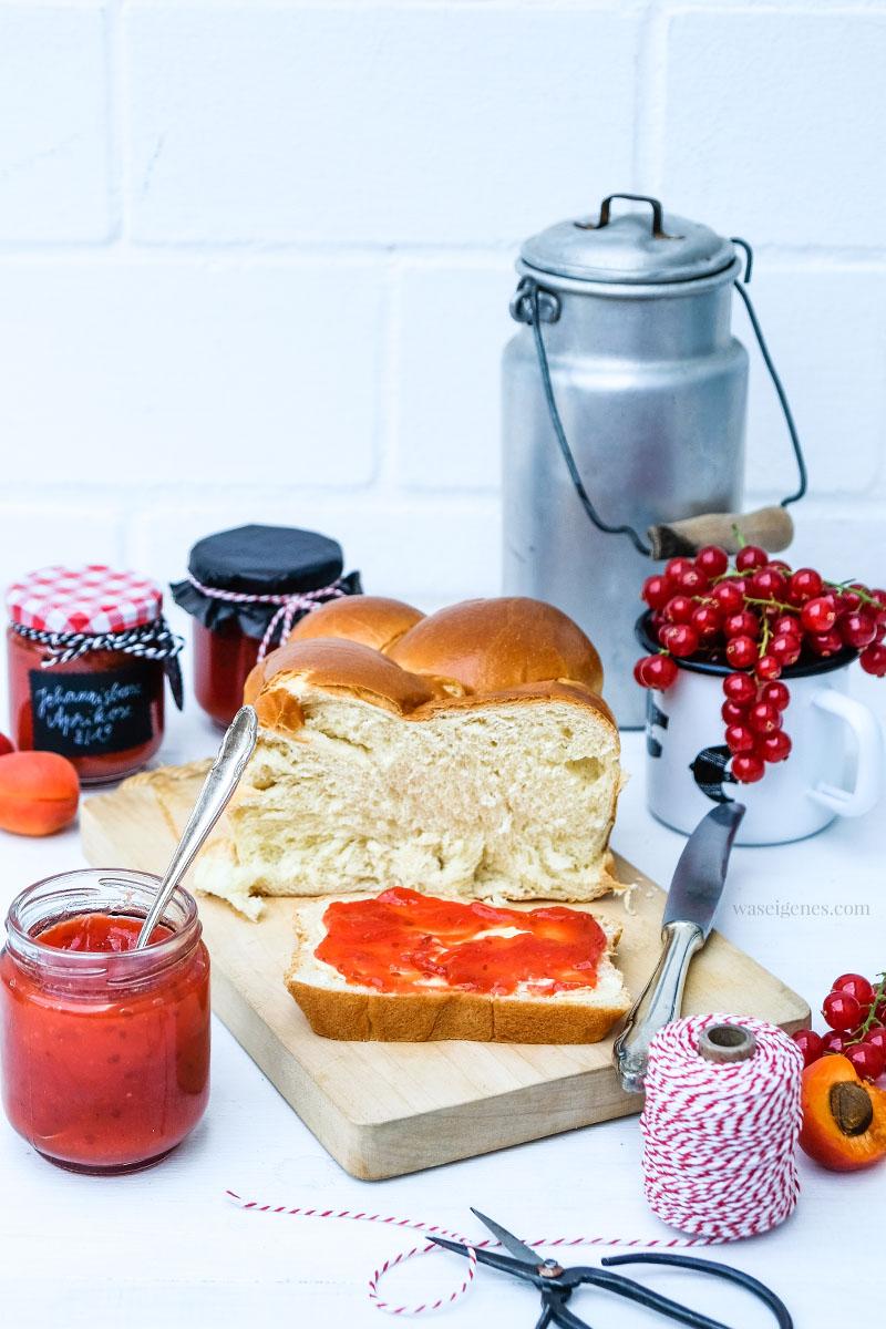 Marmelade selber kochen - Rezept: Johannisbeer-Aprikosen-Marmelade, schmeckt köstlich auf Brioche, waseigenes.com