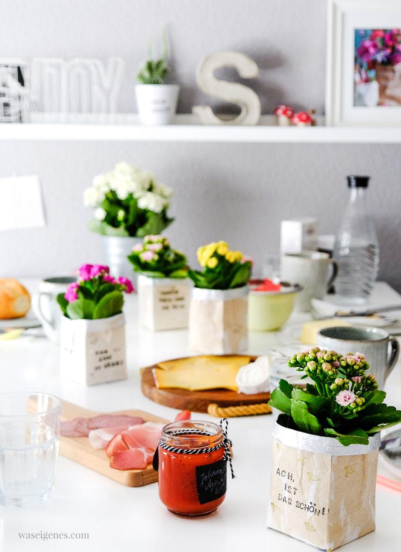 DIY Milchtüten Blumentopf | Kalanchoe auf dem Frühstückstisch | waseigenes.com