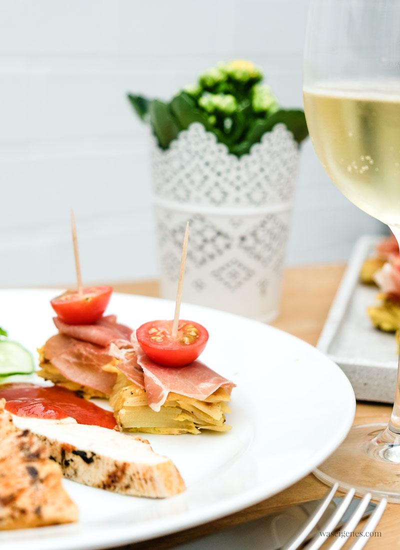 Schnell & einfach - tolles Partyfood: Tortilla Würfel mit Honigtomaten und Serrano Schinken | waseigenes.com