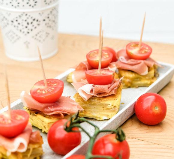 Tortilla Würfel mit Honigtomaten und Serranoschinken - köstliches Fingerfood | waseigenes.com